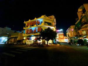 . AMIDI Hotel