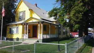 Maple Leaf Manor Furnished Apartments - Mount Spokane