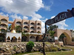 . Alis Plaza