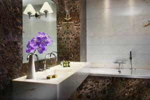 The First Luxury Art Hotel (3 of 37)