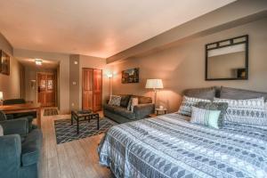 Gateway Lodge 5025