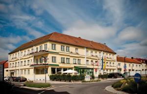 Hotel Restaurant Florianihof, Hotely  Mattersburg - big - 1