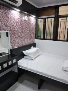 Yue Ka Hostel (Managed by Koalabeds Group)