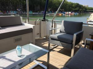 Houseboat in Paris for 6 Cadaques