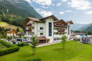 Hotel Bergkristall - Colle Isarco