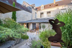 Location gîte, chambres d'hotes Hôtel de Biencourt dans le département Indre et Loire 37