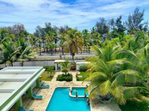 Charming, Ocean View Apartment Near Colonial Zone