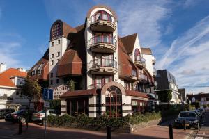 Hotel Binnenhof, Кнокке-Хейст