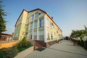 Отель Три моря, Голубицкая
