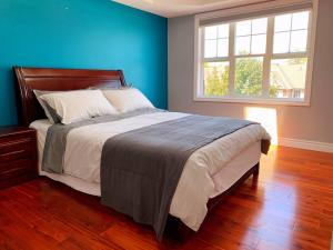 Nice rooms with private bath in Mid Town Toronto