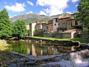 Complejo Turístico Las Cañadas, Casas de Campo y Bungalows, Villaggi turistici  Baños de Montemayor - big - 51