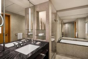 Shangri-La Hotel Dubai (2 of 38)