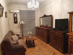 Gula's Apartment