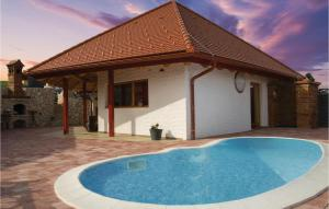 Beautiful home in Bodonci w/ Outdoor swimming pool, WiFi and Outdoor swimming pool