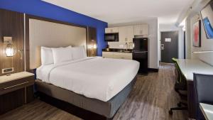Best Western Plus Executive Residency Denver-Central Park Hotel