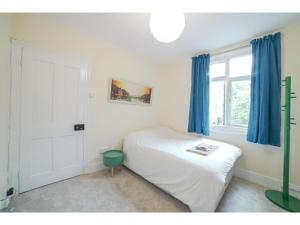 Lovely English House near Greenwich Town Centre, Ferienhäuser - London