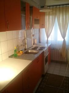 apartman mešanović 2, Apartments  Tuzla - big - 3