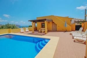 Devesa - sea view villa with private pool in Moraira