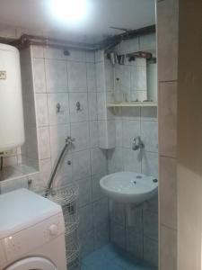 apartman mešanović 2, Apartments  Tuzla - big - 6