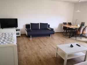 Cosy 2 rooms apartment fair and hbf in 2-4 min