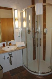 Hotel am Springhorstsee, Hotel  Grossburgwedel - big - 2