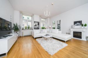 Spacious luxury SZPITALNA apartment next to The Main Market by Homeclick