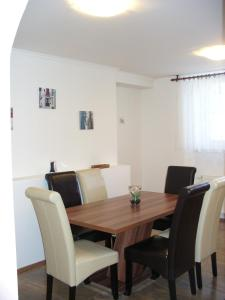 Apartman Nadezda, Appartamenti  Karlovy Vary - big - 2