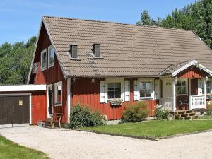. Five-Bedroom Holiday home in Mellerud