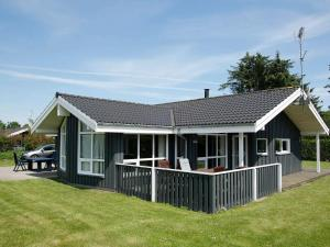 Four-Bedroom Holiday home in Hals 15