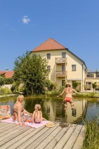 ad vineas Gästehaus Nikolaihof-Hotel Garni, Отели - Маутерн