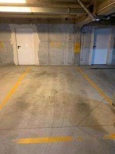 Listopadowa43 z garażem