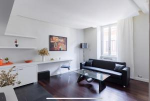 Bright, central and lovely apartment at Spanish Step - abcRoma.com