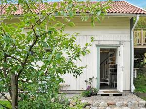 Two-Bedroom Holiday home in Fjällbacka 3, Prázdninové domy  Fjällbacka - big - 22