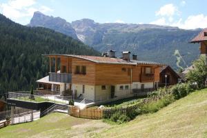 Klimahaus Dep. La Fradora - Apartment - San Cassiano