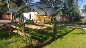 Гостевой дом Солнечный с баней, Ferienhäuser  Pribylovo - big - 2