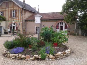 Location gîte, chambres d'hotes Le Clos de la Fontaine dans le département Cher 18