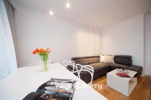 Very Berry Gasiorowskich 4 Apartament Business z balkonem check in 24h