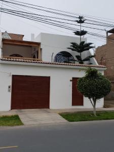 . Casa Hospedaje Los Cipreces de Huacho