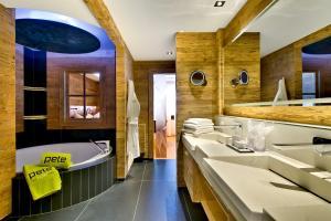 PETE - Alpine Boutique Hotel - Private SPA Suite