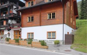 Stunning home in Gargellen w/ 8 Bedrooms - Hotel - Gargellen