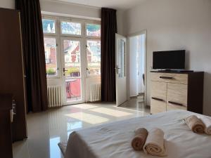 Madonna Apartments
