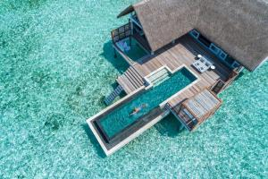 Отель Four Seasons Maldives at Landaa Giraavaru