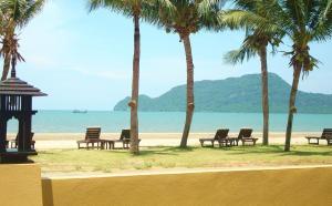 Terra Selisa - Dolphin Beach - Baanphakrimlay