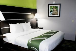 Quality Inn & Suites Bedford West