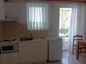 Agalos Studios, Aparthotely  Loutra Edipsou - big - 6