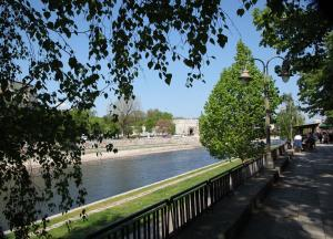 Designer Apartment in heart of city - River view! - Hotel - Niš