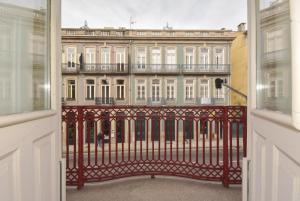 LIVE PORTO & DOURO - DUQUE LOULÉ VI, 4000-324 Porto