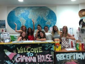 Gianni House Backpackers Hostel - AbcAlberghi.com