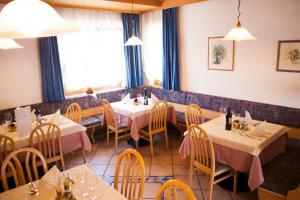 Gasthaus Abram, Szállodák  Ora/Auer - big - 16