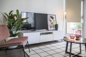 Phaedrus Living: City Centre Luxury Flat Anemone 31